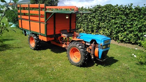 Tractocarro Pasquali: el vehículo genuino de la agricultura de montaña